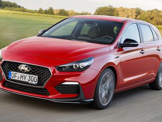 2018-Hyundai-i30-N-Line-hatchback-red-press-image-1001x56p-(1).jpg
